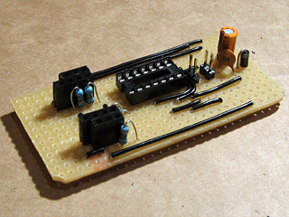 Socket for Schmitt trigger IC and pin headers for vsync/hsync jumpers